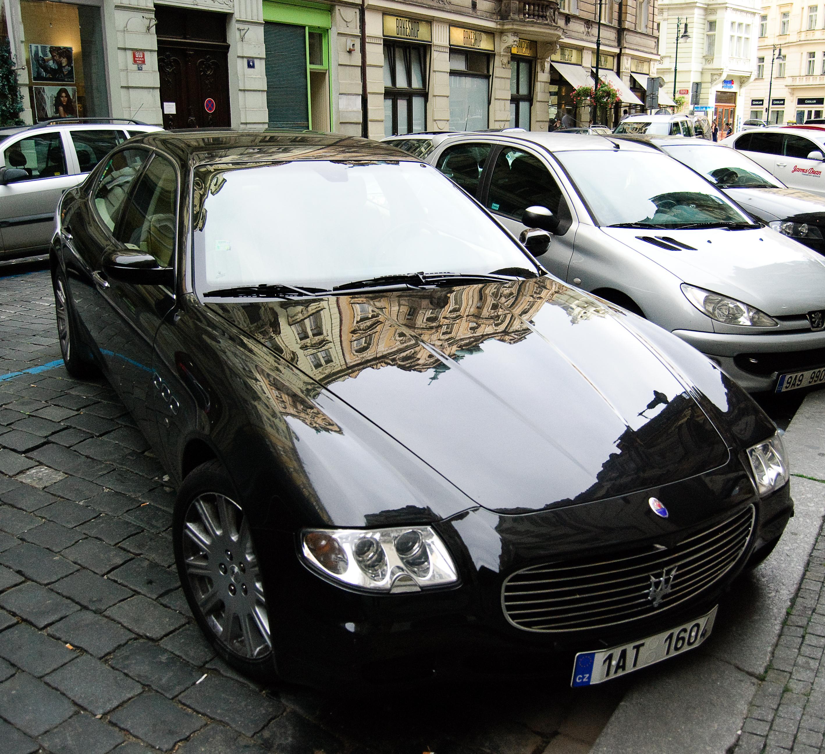 Maserati Quattroporte w Pradze