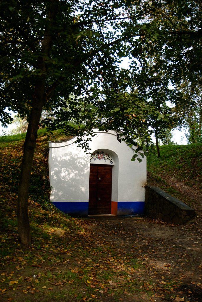 Piwniczki winiarskie w Petrovie