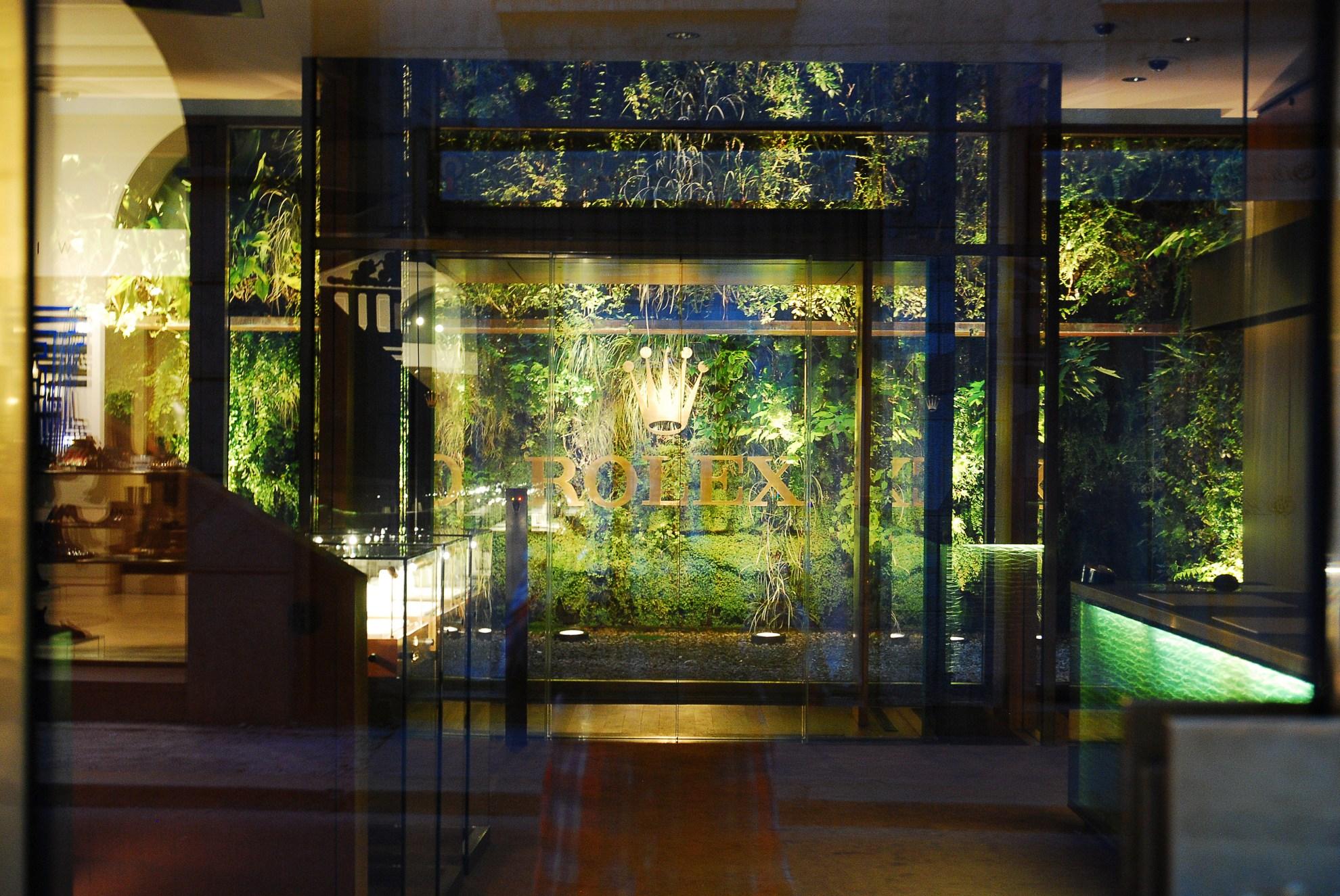 Wnętrze salonu marki Rolex w Mediolanie