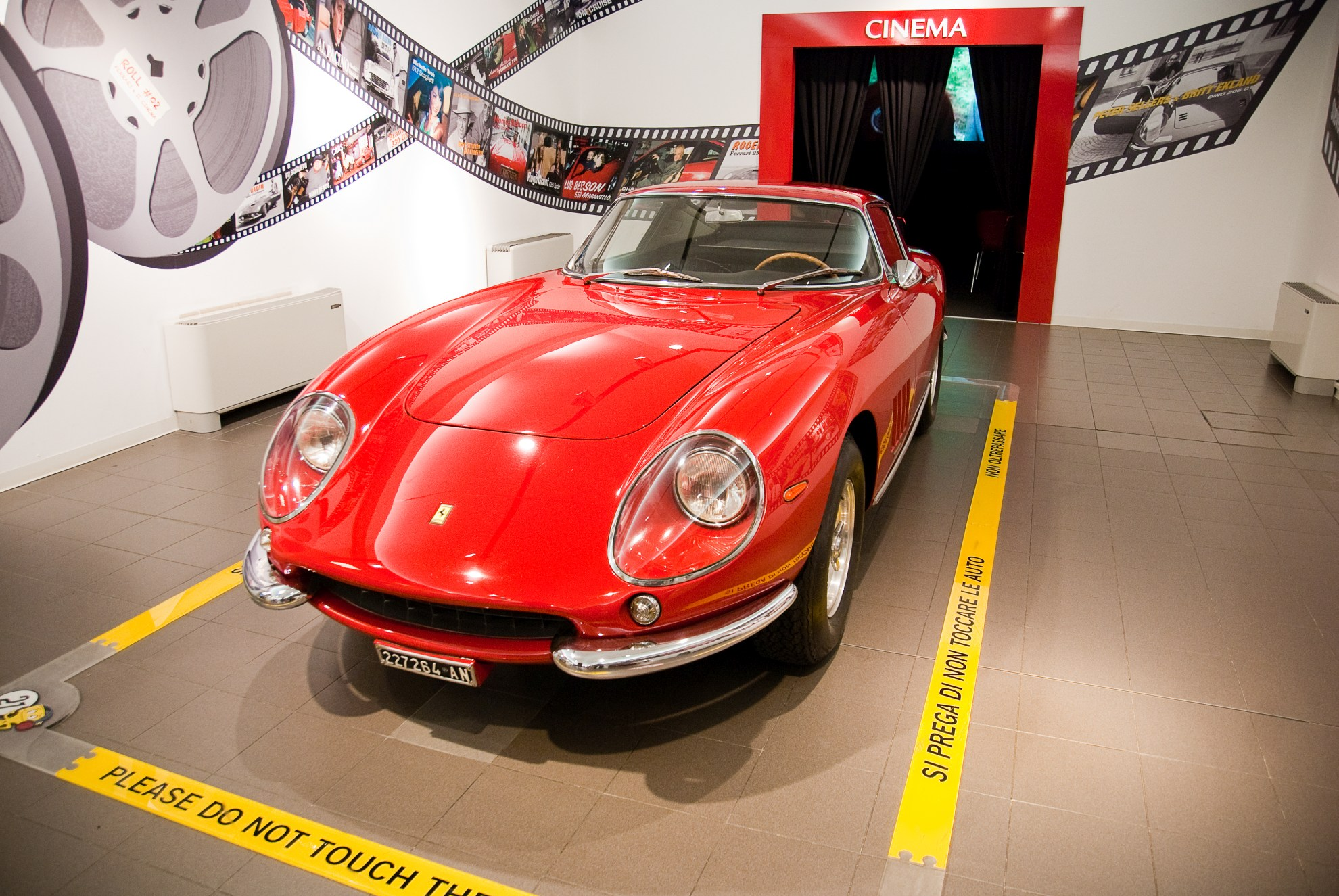 Ferrari 275 GTB w Muzeum Ferrari w Maranello