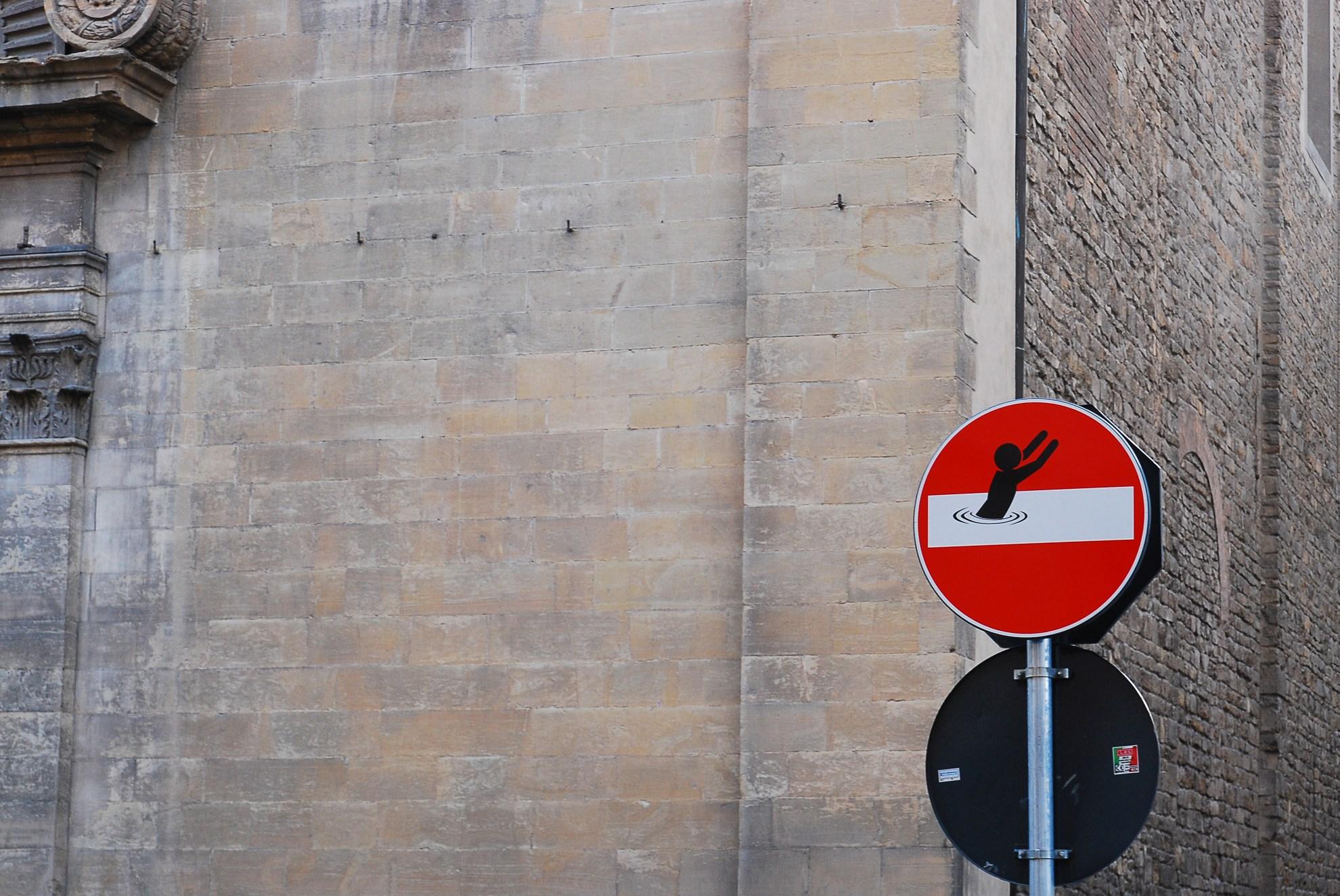 Florencja i ozdabianie znaków drogowych