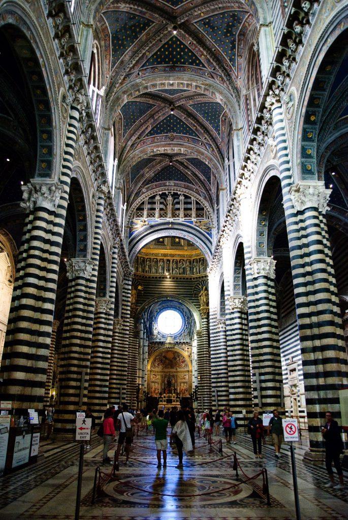 Wnętrze katedry w Sienie