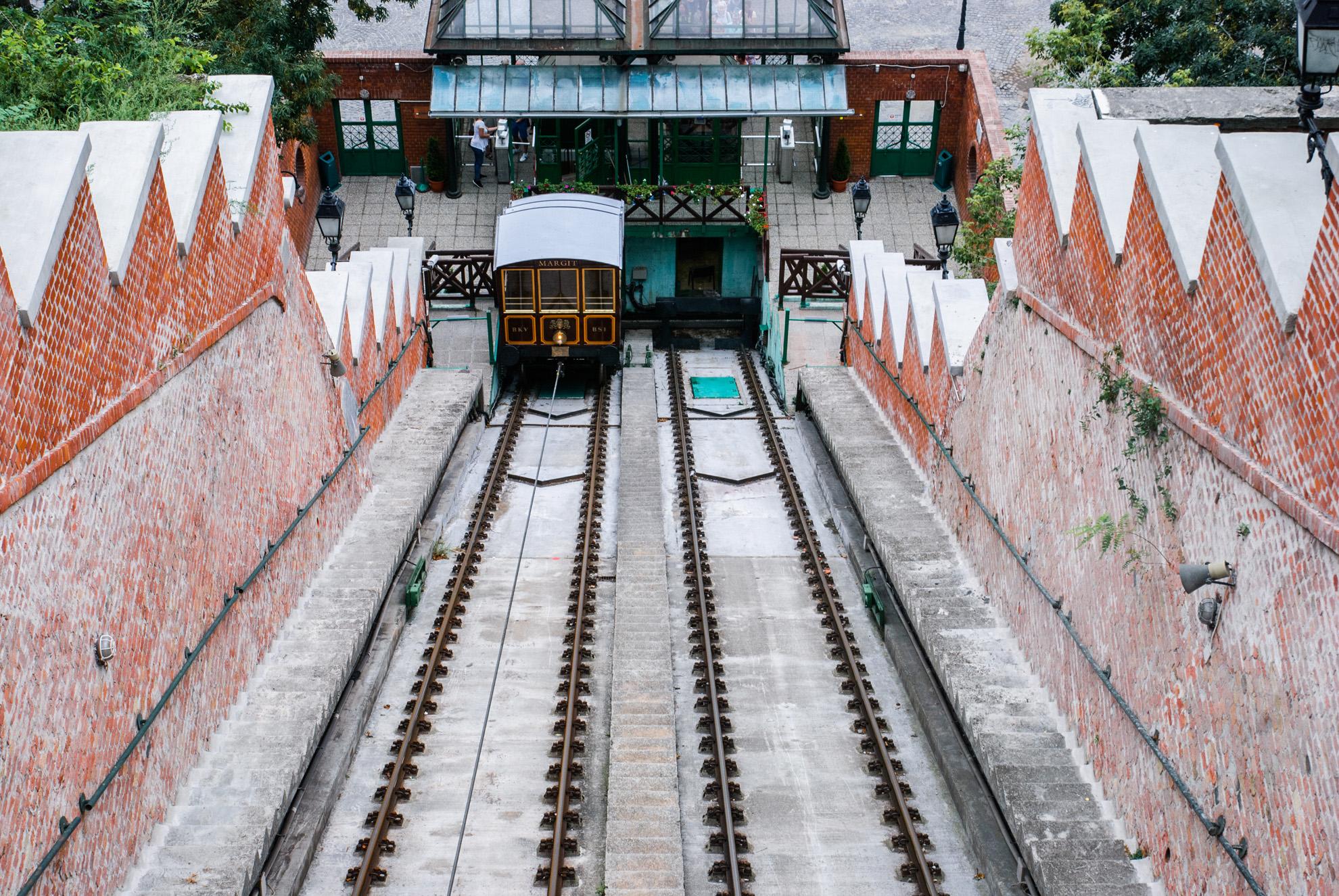 Kolejka na Wzgórze Zamkowe w Budapeszcie
