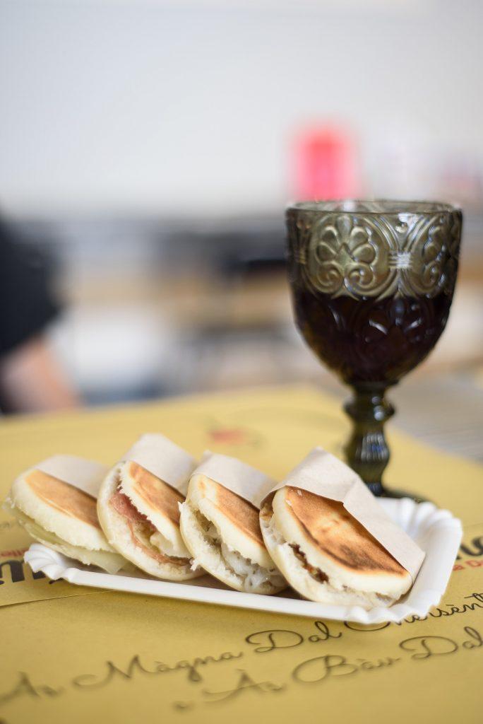 Tigellino - regionalne kanapeczki