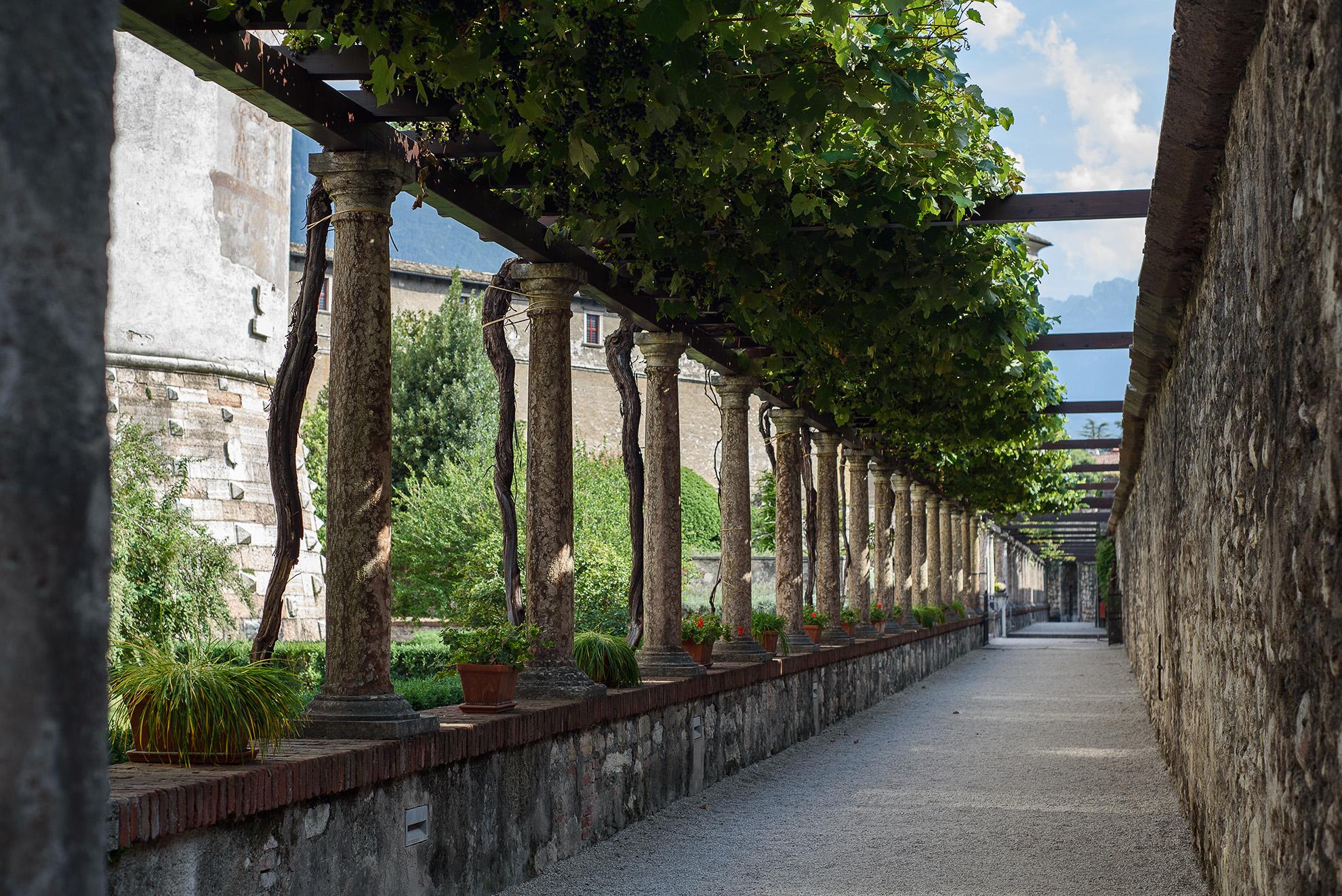 Pergola pod zamkiem w Trydencie