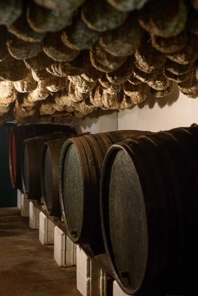 Tratoria la Buca - beczki z winem