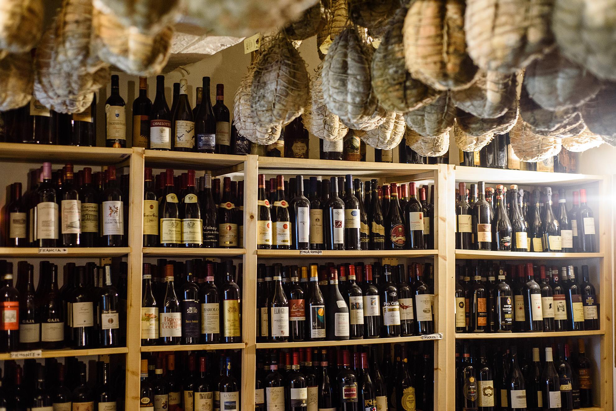 Tratoria la Buca w Zibello - piwniczka z winem