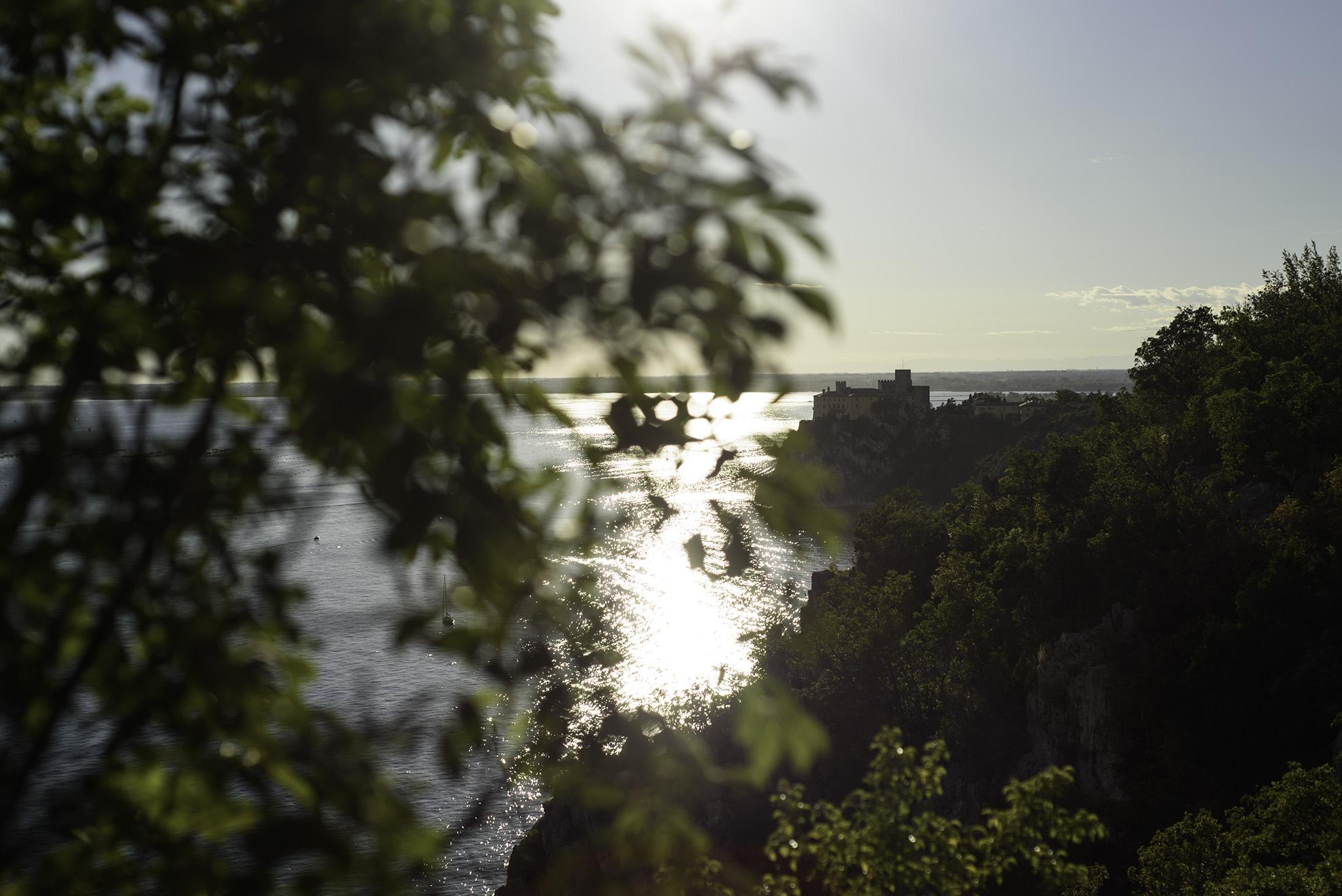 Sistiana - widok na zamek Duino