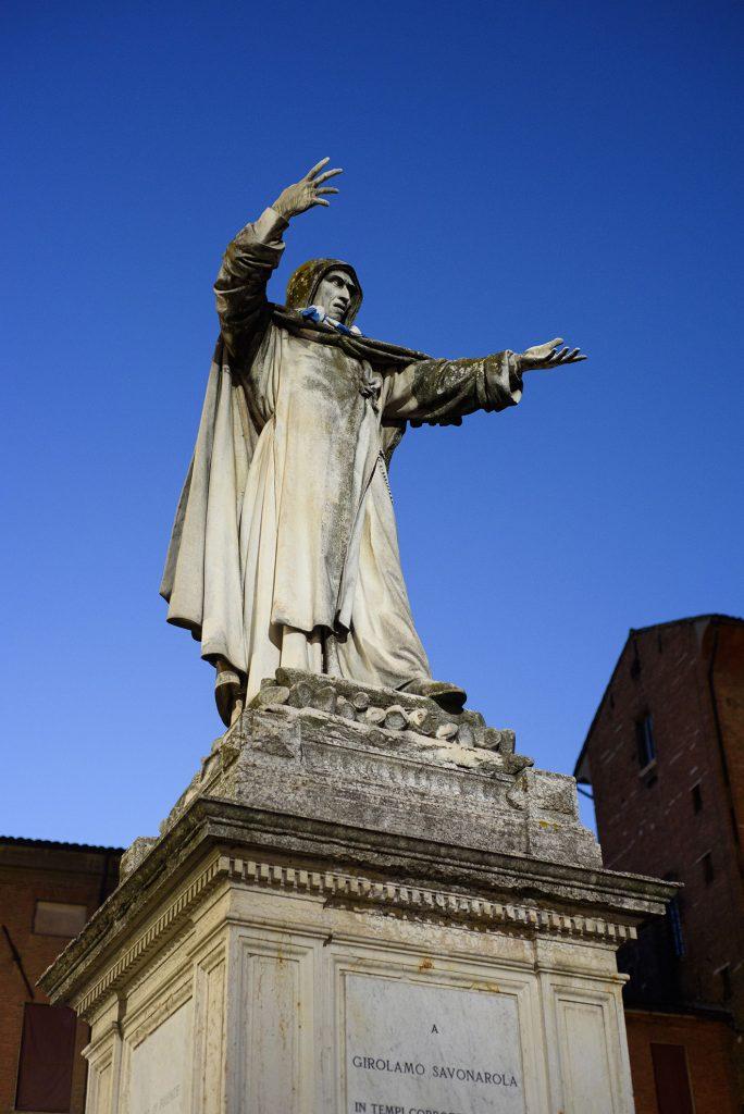 Pomnik Savonaroli w Ferrarze