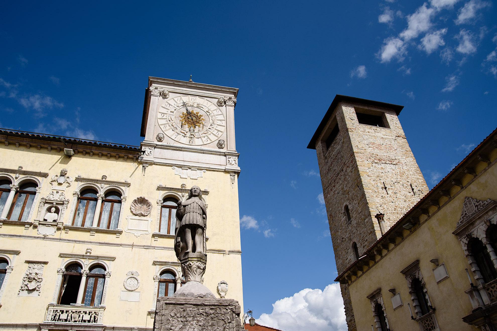 Palazzo dei Rettori w Belluno i fontanna św. Gioatà