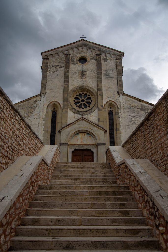 Klasztor Benedyktynów w Follinie
