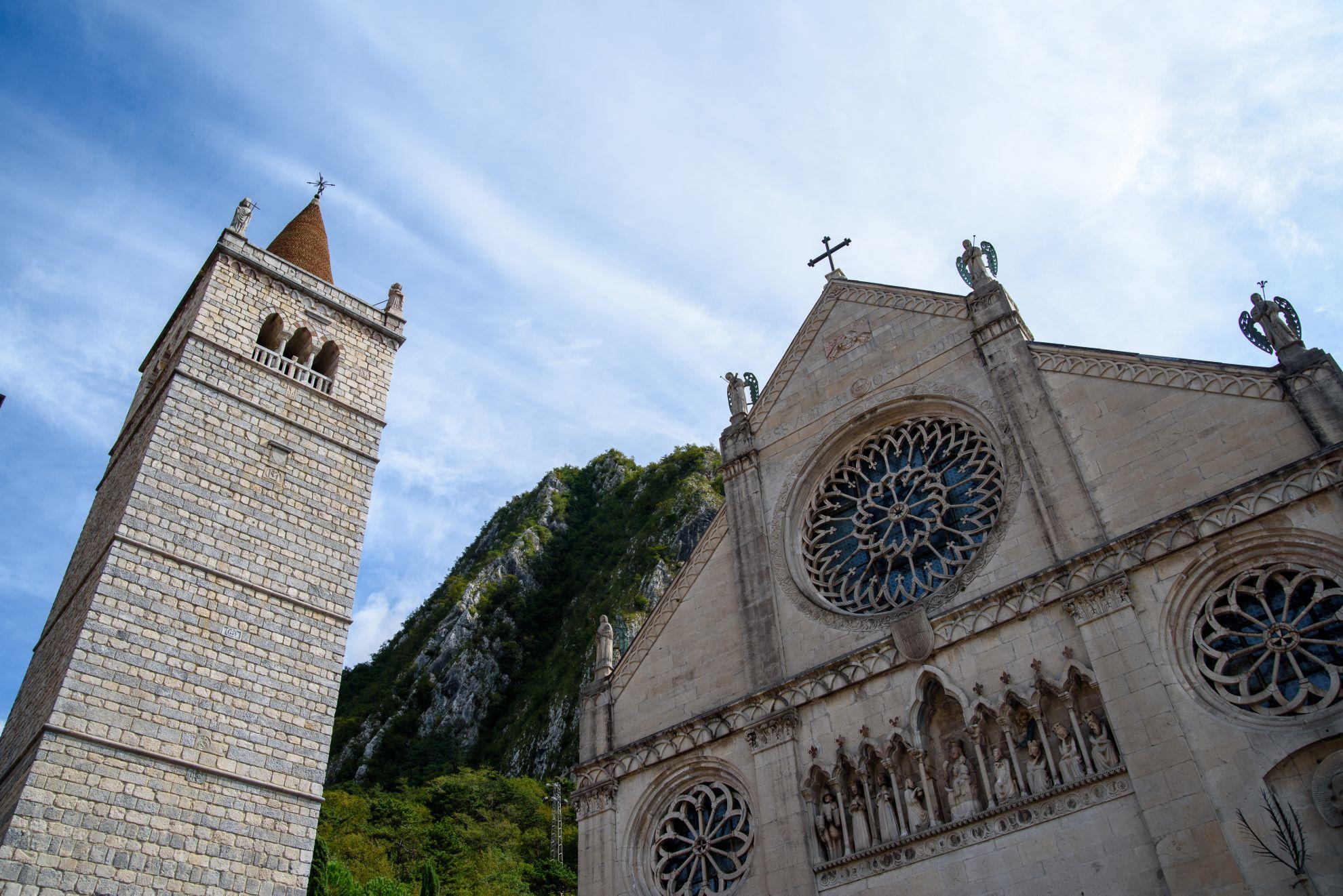 Katedra w Genomie
