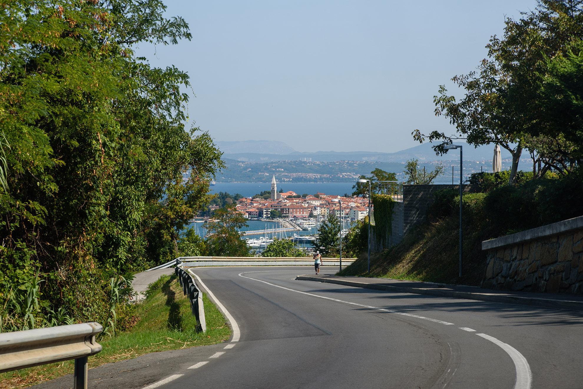 Droga do Piranu