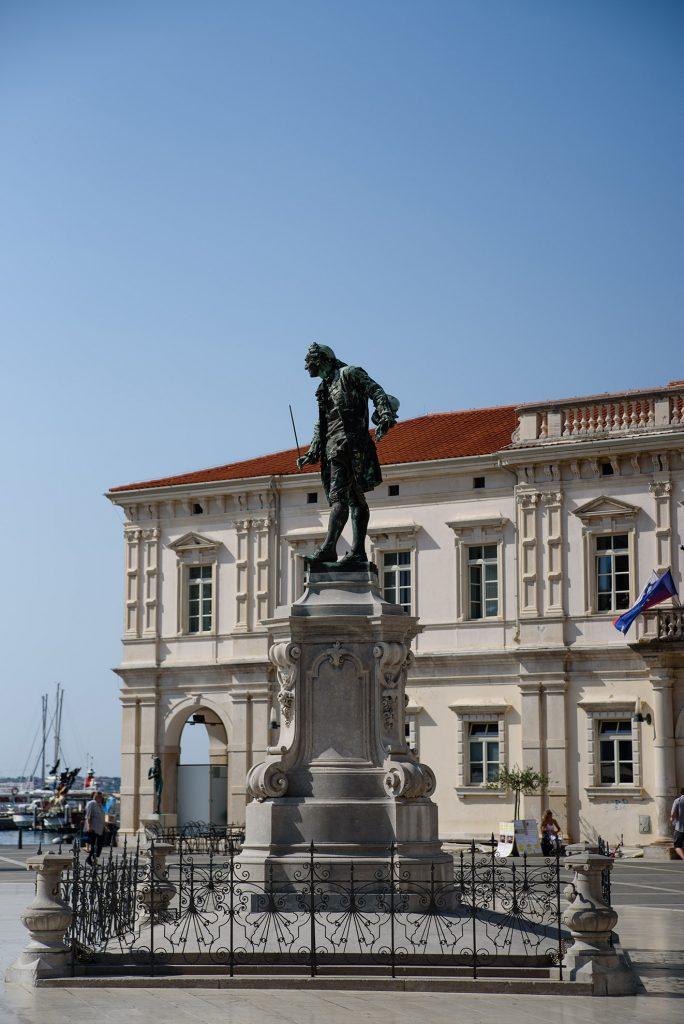Tartini Trg i pomnik kompozytora Giuseppe Tartiniego