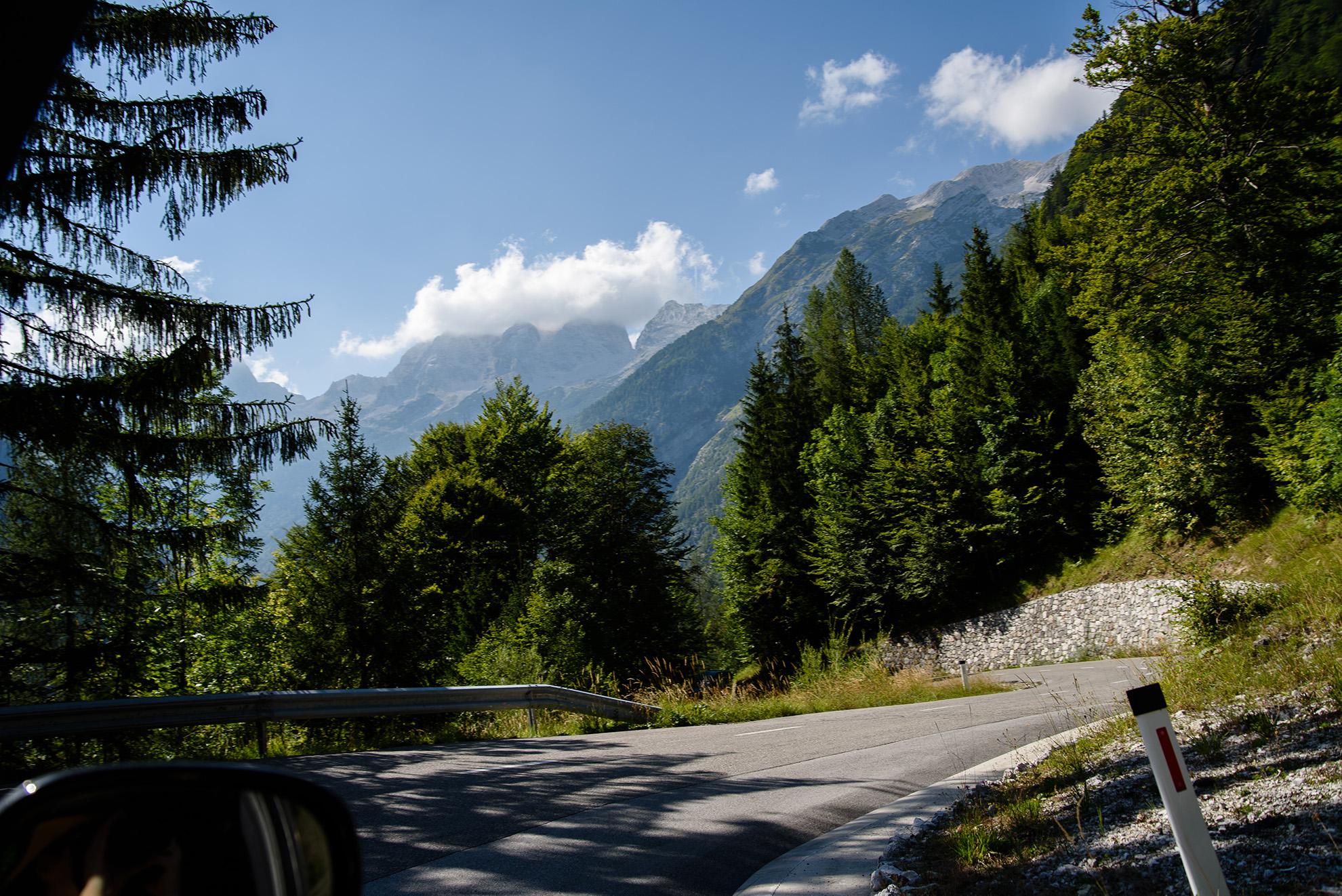 Przełęcz Vršič - zjazd w dół (jeszcze bardziej)