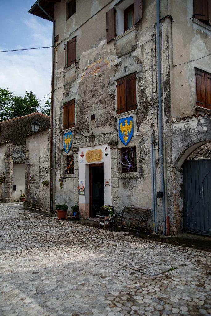 Valvasone i Piazza Castello