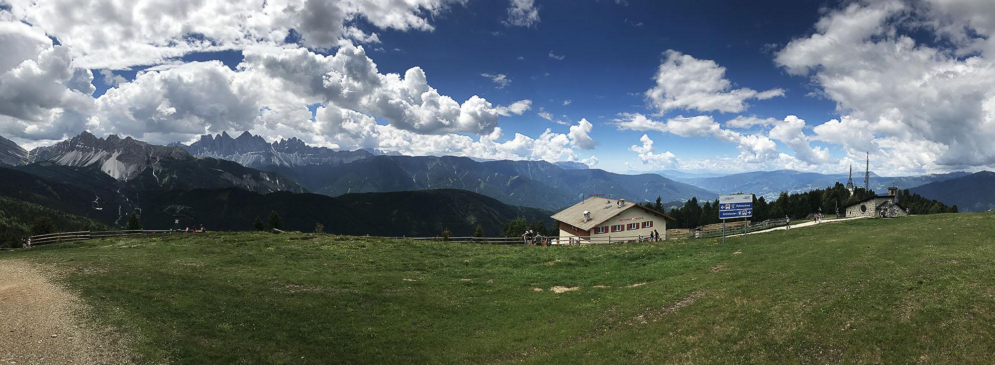 Panorama na Dolomity z góry Plose