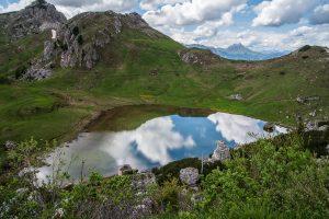 Jeziorko na przełęczy Valparola