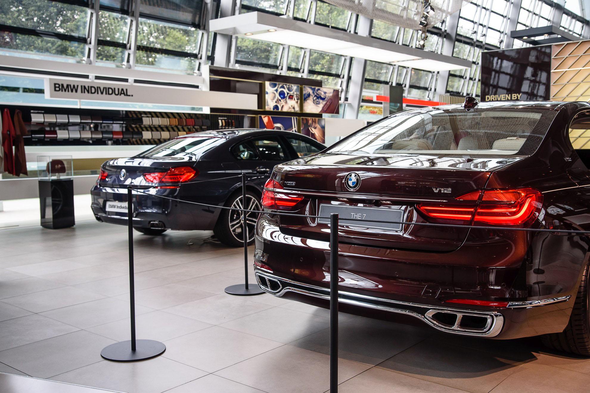 BMW 6er Gran Coupe i M760Li G11 na stoisku Individual