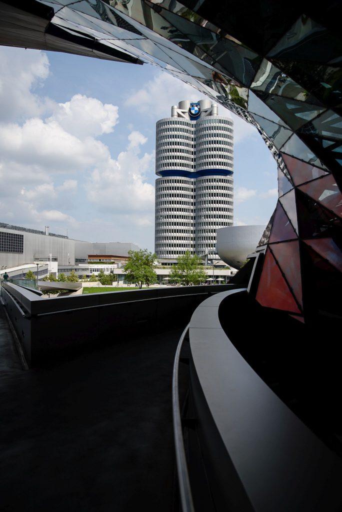 BMW Welt - widok na budynek muzeum BMW