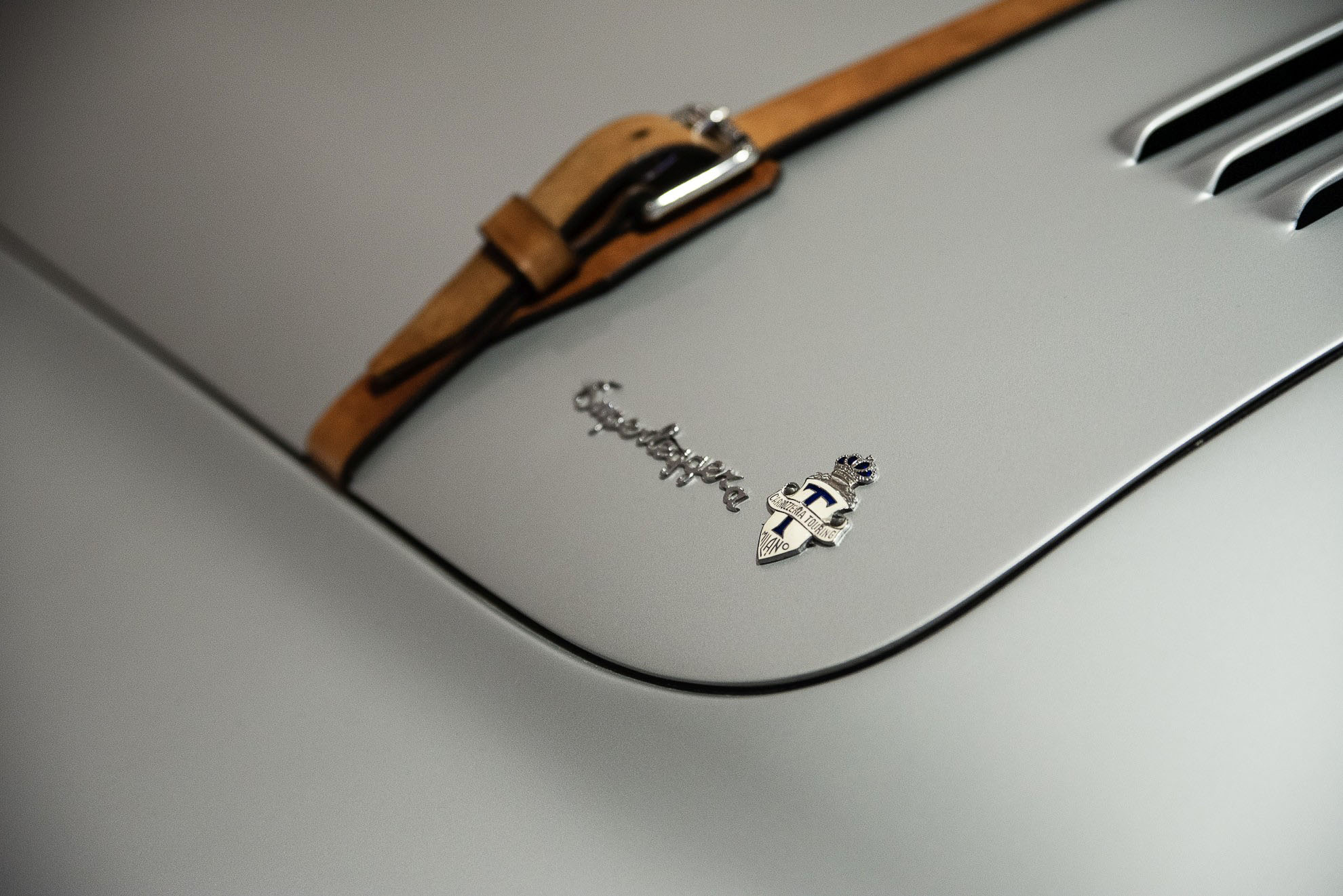 BMW 328 Coupe - detal znaczek Superlaggera - w Muzeum BMW w Monachium