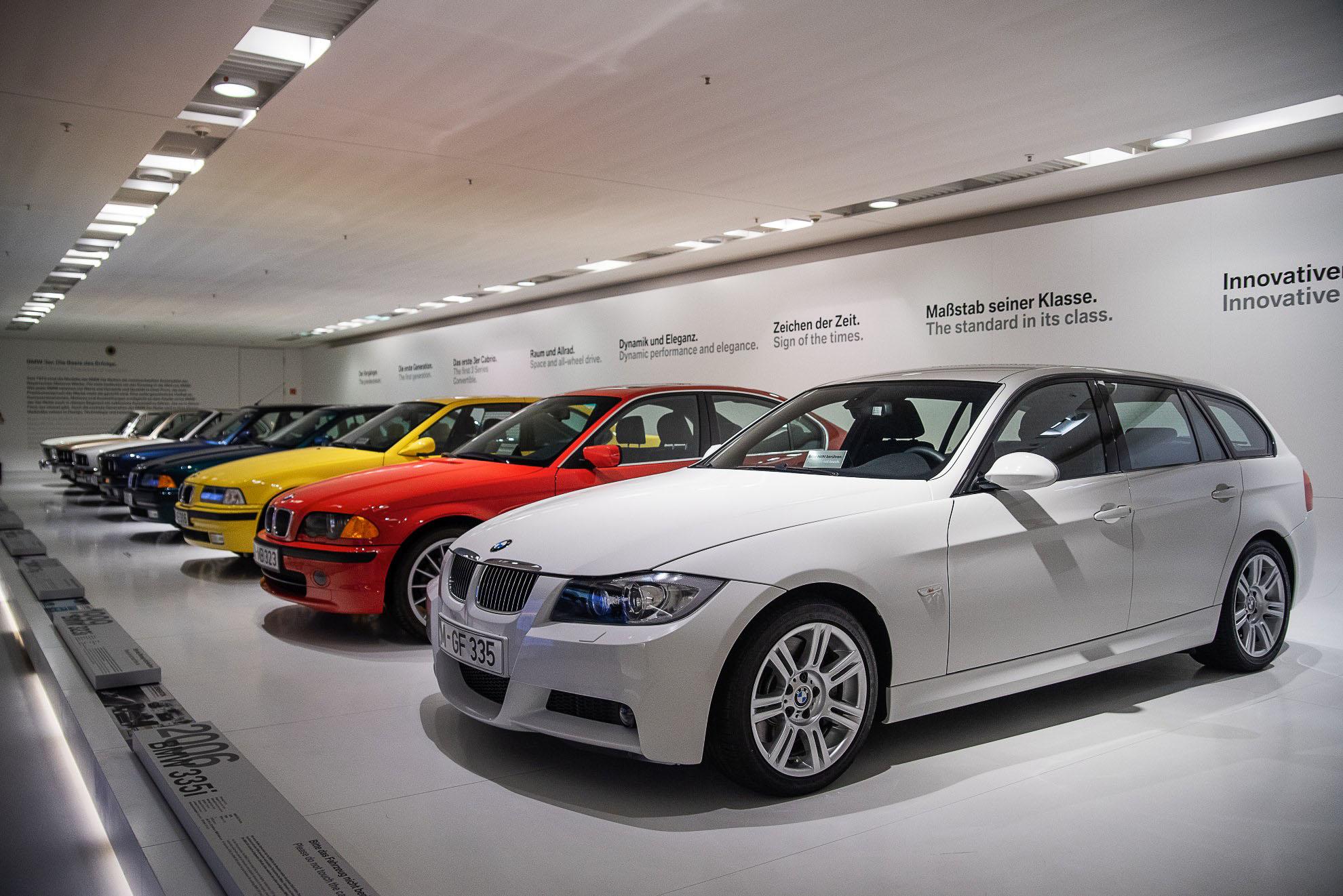 BMW - historia serii 3 w Muzeum BMW w Monachium, BMW E91