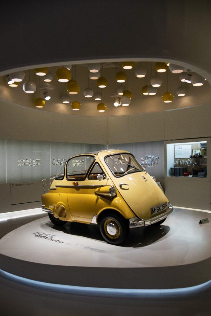 BMW Isetta w Muzeum BMW w Monachium