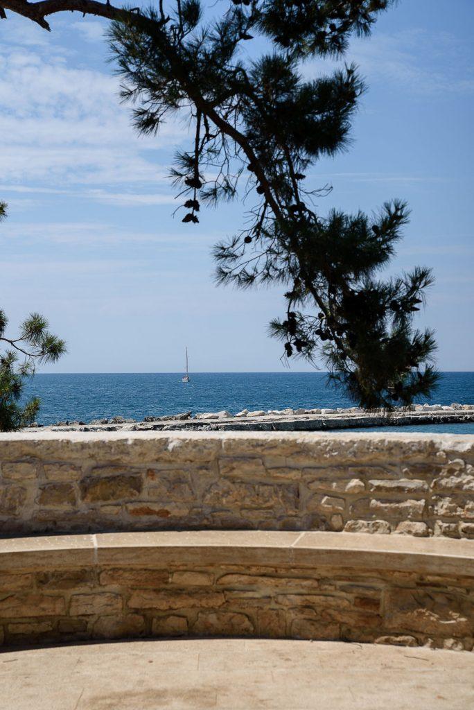 Widok na Morze Adriatyckie z Novigradu