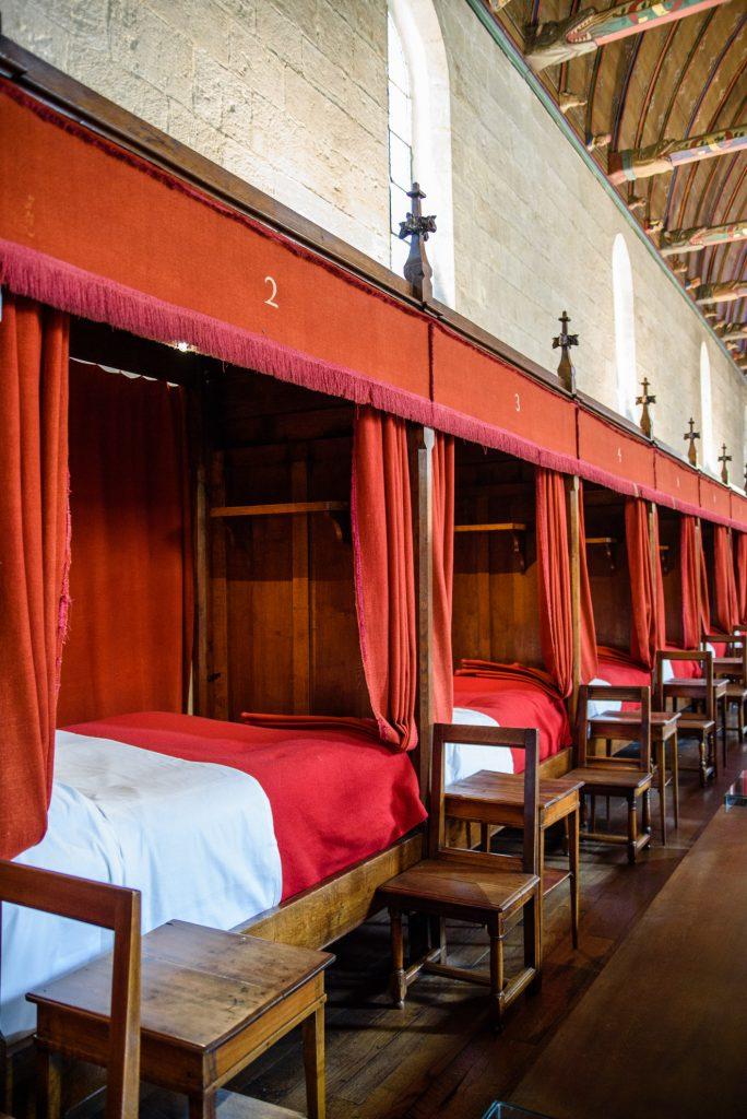 Łóżka dla chorych w Hôtel Dieu