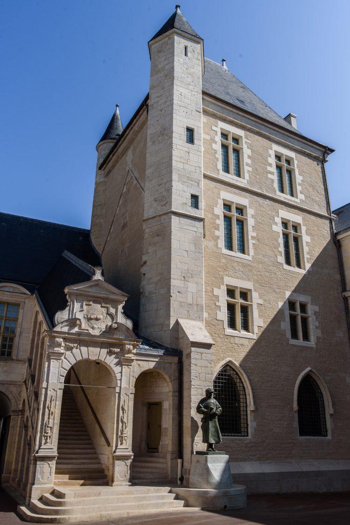 Palais des ducs de Bourgogne w Dijon
