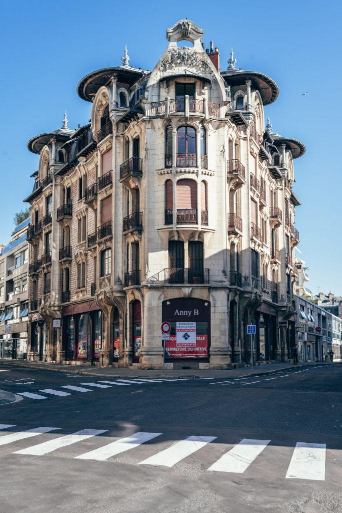 Secesyjna kamienica w Dijon