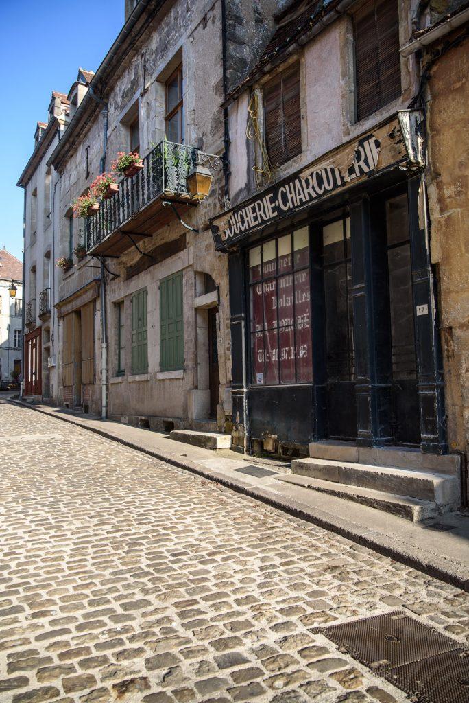 Zamknięty rzeźnik w Semur-en-Auxois