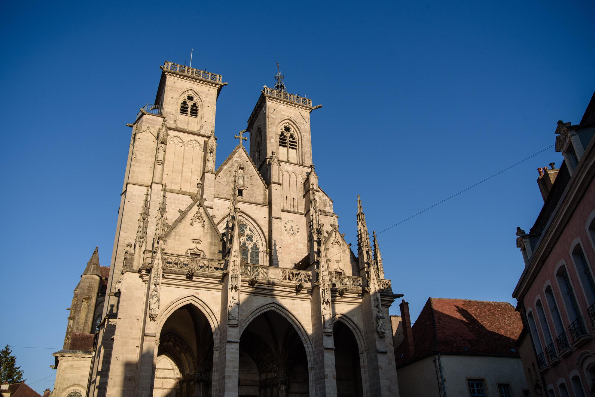 La collégiale Notre-Dame w Semur-en-Auxois