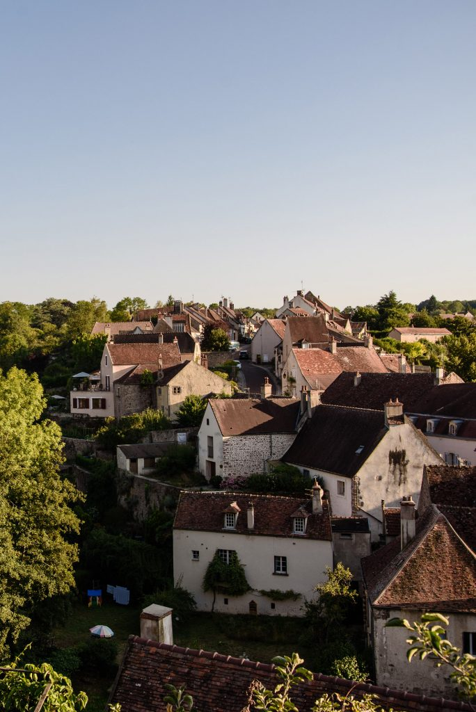 Semur-en-Auxois - miasto poza murami