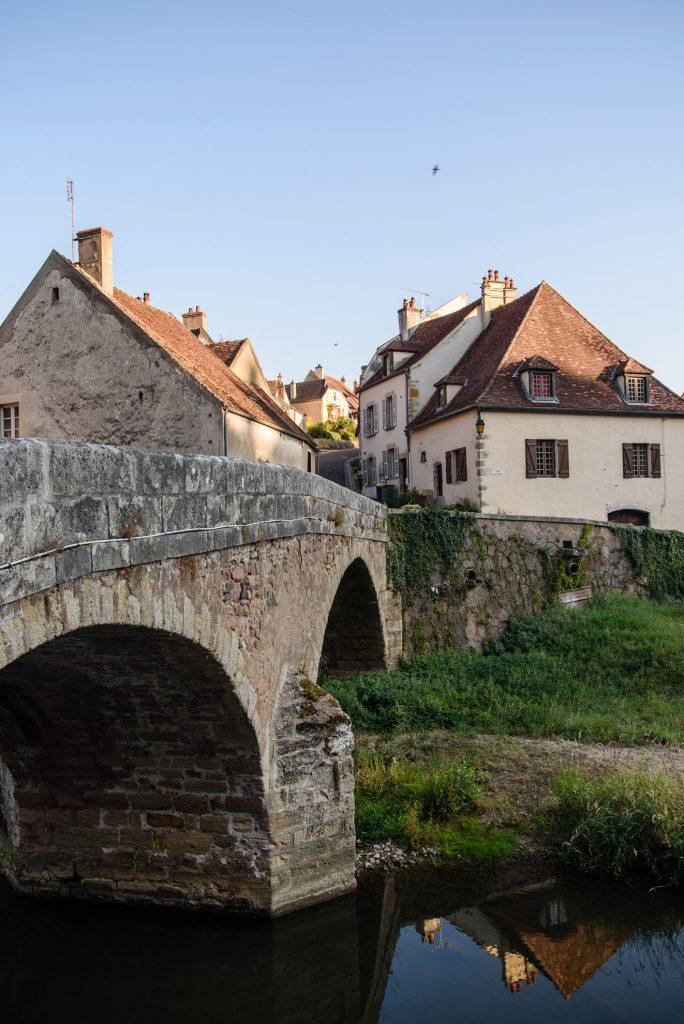 Pont Pinard w Semur-en-Auxois
