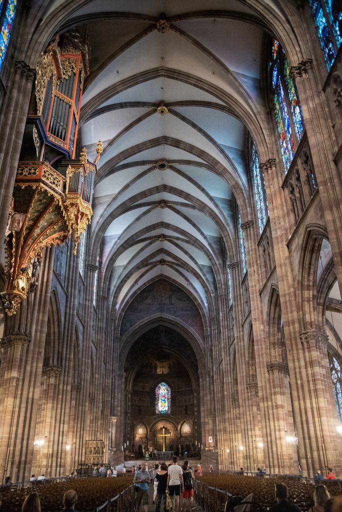 Wnętrze Katedry Najświętszej Marii Panny w Strasburgu