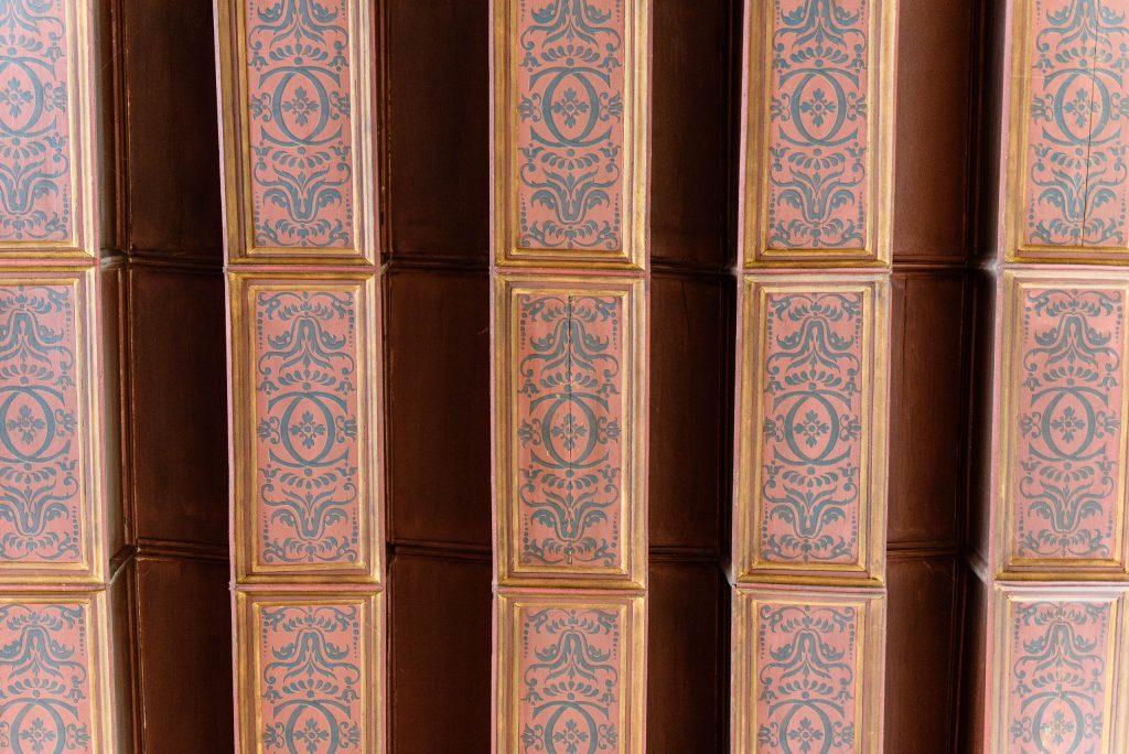 Sufit z symbolem Katarzyny Medycejskiej w Chenonceau