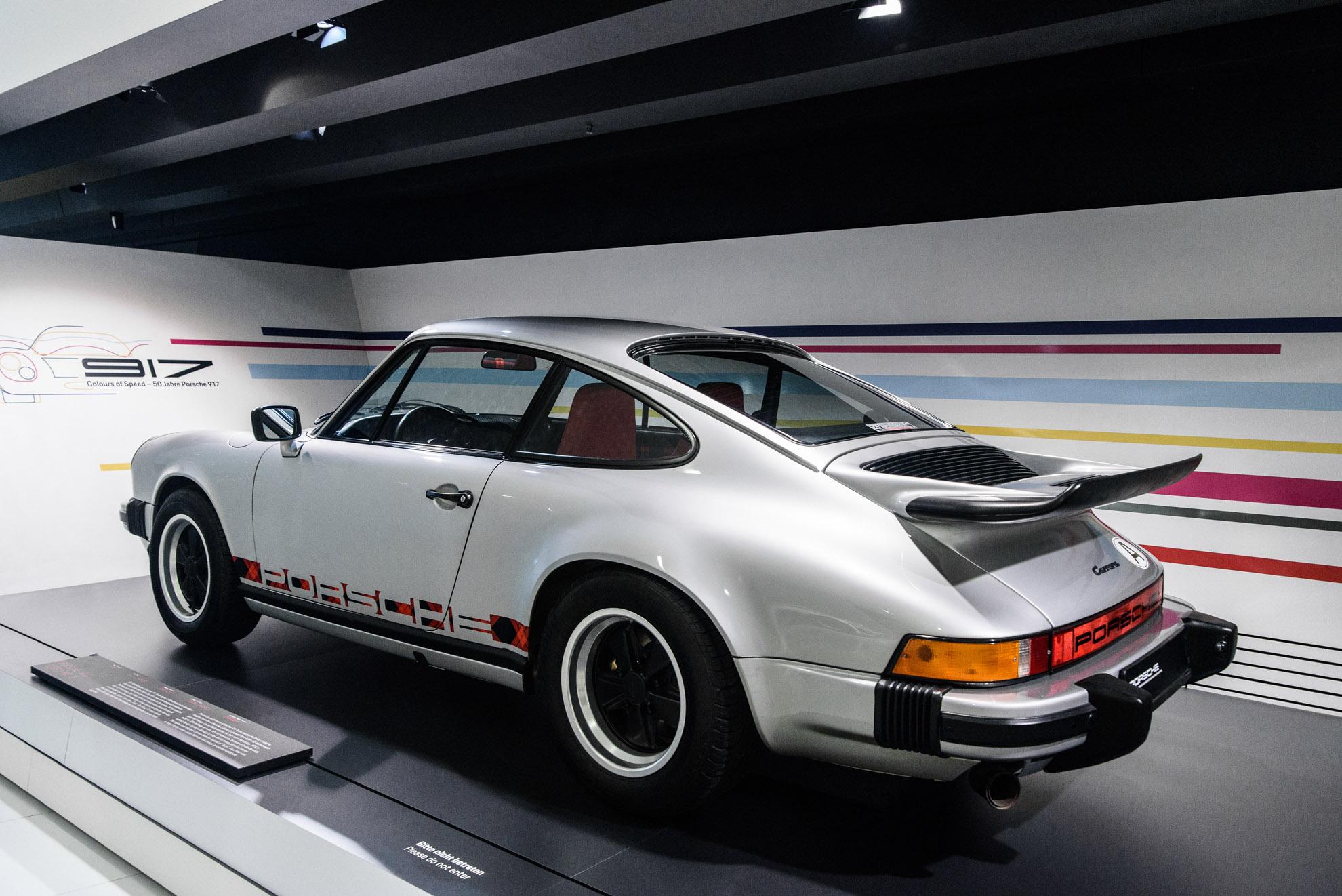 """Pierwsze Porsche 911 Turbo ze spojlerem """"wheel tail"""""""