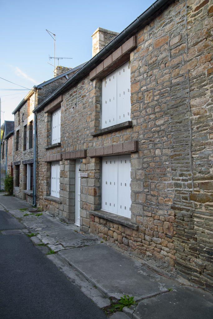 Normandzkie domy w Genêts