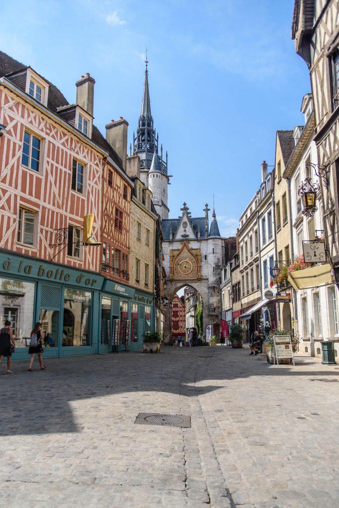 Place de l'Horloge w Auxerre