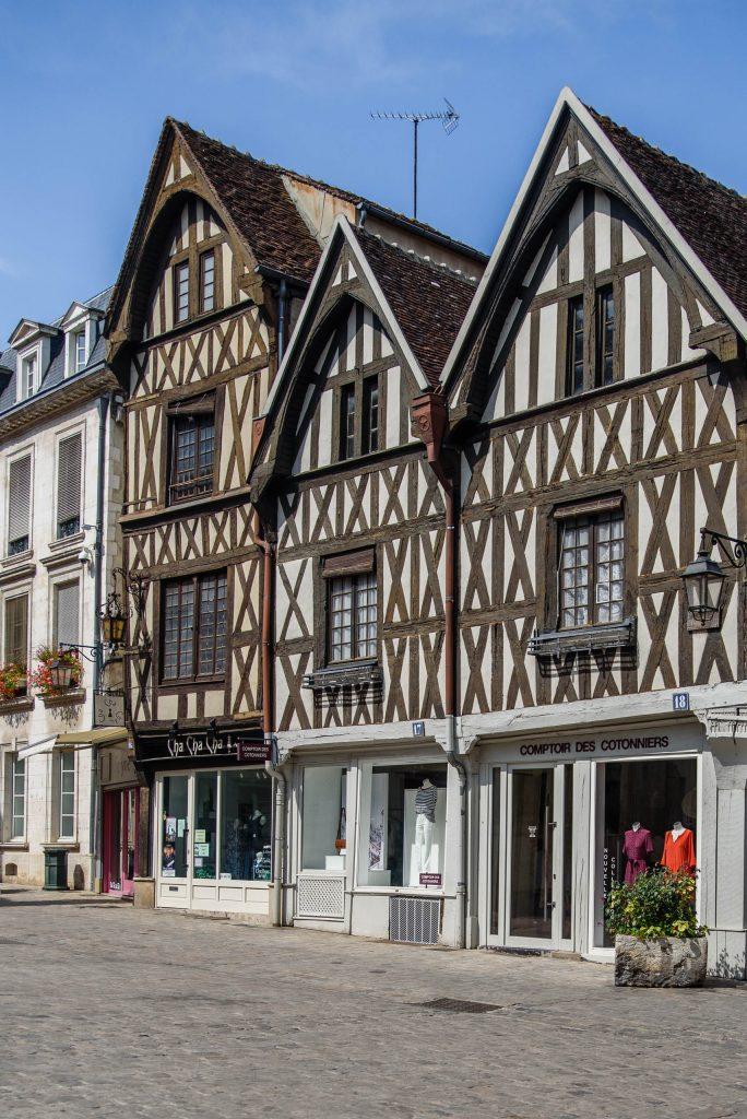 Szachulcowe domy w Auxerre
